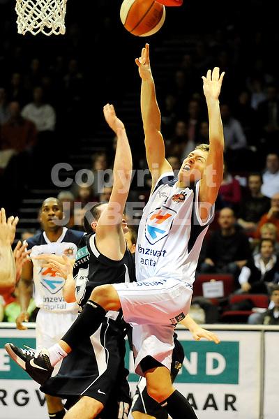 basketbal capitals - aris friesland seizoen 2008-2009  26-02-2009   rogier jansen.