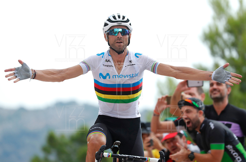 ESPAÑA, 30-08-2019: Alejandro Valverde (ESP - MOVISTAR) celebra tras ganar la etapa 7, hoy, 30 de agosto de 2019, que se corrió entre Onda y Mas de la Costa con una distancia de 183,2 km como parte de La Vuelta a España 2019 que se disputa entre el 24/08 y el 15/09/2019 en territorio Español. / Alejandro Valverde (ESP - MOVISTAR) celebrates after winning the stage 7 today, August 30, 2019, from Onda to Mas de la Costa with a distance of 183,2 km as part of Tour of Spain 2019 which takes place between 08/24 and 09/15/2019 in Spain.  Photo: VizzorImage / Luis Angel Gomez / ASO<br /> VizzorImage PROVIDES THE ACCESS TO THIS PHOTOGRAPH ONLY AS A PRESS AND EDITORIAL SERVICE AND NOT IS THE OWNER OF COPYRIGHT; ANOTHER USE HAVE ADDITIONAL PERMITS AND IS  REPONSABILITY OF THE END USER
