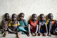 UGANDA, Arua, south sudanese refugees in Rhino camp refugee settlement, Nuer children / suedsudanesische Fluechtlinge im Fluechtlingslager Rhino Camp, Kinder der Volksgruppe der Nuer