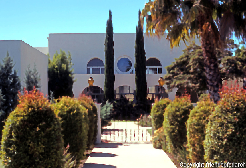 Irving Gill: Christian Science Church, 1929. 1123 8th St., Coronado. Mission Style. Photo '78