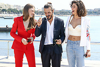 Seranay Sarikaya, Mehmet Gunsur et Berrak Tuzunatac lors du photocall de PHI pendant le MIPTV a Cannes, le lundi 3 avril 2017.