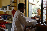ETHIOPIA Taza Catholic Health Center, drugstore / AETHIOPIEN Taza Catholic Health Center, Apotheke