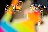 SÃO PAULO, SP, 23.06.2019: PARADA-SP - Movimentação durante a 23ª edição da Parada LGBT que acontece neste domingo (23) na Avenida Paulista, no Centro da cidade de São Paulo. A festa contará com 19 trios elétricos com apresentações musicais, como a ex-Spice Girl Mel C, e as cantoras Iza, Karol Conká, Alinne Rosa, Luisa Sonza e Gloria Groove. (Foto: Carla Carniel/Código19)