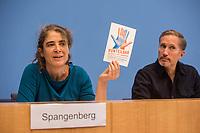 """Pressekonferenz des Buendnis #unteilbar am Mittwoch den 10. Oktober 2018 in Berlin zur geplanten Grossdemonstration """"#unteilbar - Fuer eine offene und freie Gesellschaft - Solidaritaet statt Ausgrenzung"""", die am Samstag den 13. Oktober 2018 in Berlin stattfinden soll.<br /> Die Organisatoren, unter ihnen viele Prominente wie Starkoechin Sarah Wiener, der Paritaetische Wohlfahrtsverband, Amnesty International oder der Zentralrat der Muslime wollen nicht zulassen, dass Sozialstaat, Flucht und Migration gegeneinander ausgespielt werden. """"Wir halten dagegen, wenn Grund- und Freiheitsrechte weiter eingeschraenkt werden sollen"""".<br /> Die Organisatoren erwarten bis zu 40.000 Menschen zu der Demonstration.<br /> An der Pressekonferenz nahmen teil:<br /> Prof. Dr. Naika Fortoutan, Direktorin des Berliner Instituts fuer empirische Integrations- und Migrationsforschung; Dr. Ulrich Schneider, Hauptgeschaeftsfuehrer des Paritaetischen Gesamtverband; Benno Fuermann, Schauspieler (rechts) und Anna Spangenberg, Pressesprecherin von #unteilbar (links).<br /> 10.10.2018, Berlin<br /> Copyright: Christian-Ditsch.de<br /> [Inhaltsveraendernde Manipulation des Fotos nur nach ausdruecklicher Genehmigung des Fotografen. Vereinbarungen ueber Abtretung von Persoenlichkeitsrechten/Model Release der abgebildeten Person/Personen liegen nicht vor. NO MODEL RELEASE! Nur fuer Redaktionelle Zwecke. Don't publish without copyright Christian-Ditsch.de, Veroeffentlichung nur mit Fotografennennung, sowie gegen Honorar, MwSt. und Beleg. Konto: I N G - D i B a, IBAN DE58500105175400192269, BIC INGDDEFFXXX, Kontakt: post@christian-ditsch.de<br /> Bei der Bearbeitung der Dateiinformationen darf die Urheberkennzeichnung in den EXIF- und  IPTC-Daten nicht entfernt werden, diese sind in digitalen Medien nach §95c UrhG rechtlich geschuetzt. Der Urhebervermerk wird gemaess §13 UrhG verlangt.]"""