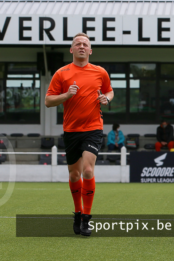 Referee Tom Stevens with assistant referee Tom Dillen (L) and Bryan Bijnens (R) warming up before a female soccer game between Oud Heverlee Leuven and AA Gent Ladies on the 9 th matchday of play off 1 in the 2020 - 2021 season of Belgian Womens Super League , saturday 22 nd of May 2021  in Heverlee , Belgium . PHOTO SPORTPIX.BE   SPP   SEVIL OKTEM