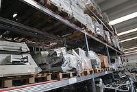 - Ambro Logistics, company for disposal and recycling of old computers....- Ambro Logistica, azienda per lo smaltimento e il riciclo dei vecchi computer