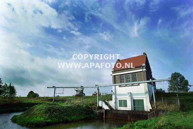 Niftrik,29-09-99  Foto:Koos Groenwold (APA)<br />Gemaal Citters 2<br /><br />Bij verhaal van Joost Zwaga