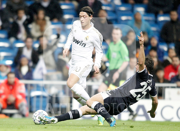 Real Madrid's Mesut Özil during UEFA Champions League match. November 22, 2011. (ALTERPHOTOS/Alvaro Hernandez)