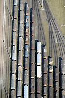 Gueterzuege auf dem Rangierbahnhof Maschen: EUROPA, DEUTSCHLAND, NIEDERSACHSEN, MASCHEN, (EUROPE, GERMANY), 25.09.2016:Tankwaggon der Firma VTG.  Die VTG Aktiengesellschaft ist ein börsennotiertes Schienenlogistik- und Waggonvermietunternehmen mit Sitz in Hamburg. Sie ist in den Bereichen Waggonvermietung (einschließlich Waggonbau, -reparatur und -instandhaltung), Schienenlogistik und Tankcontainerlogistik tätig.