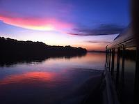 Rio Trombetas.<br /> Óbidos, Pará, Brasil<br /> Foto Ana Mokarzel<br /> 23/10/2011