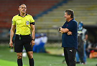 MEDELLÍN- COLOMBIA,  14-02-2021.Hernán Dario Gómez director técnico del  Deportivo Independiente Medellín gesticula durante partido por la fecha 6 entre Deportivo Independiente Medellín y Jaguares de Córdoba como parte de la Liga BetPlay DIMAYOR 2021 jugado en el estadio Atanasio Girardot de la ciudad de Medellín. /Hernan Dario Gomez   coach of Deportivo Independiente Medellin gestures during Match for the date 6 between Deportivo Independiente Medellin and  Jaguares de Cordoba as part of the BetPlay DIMAYOR League I 2021 played at Atanasio Girardot stadium in Medellin city. Photo: VizzorImage / Luis Benavides/ Contribuidor