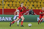 v.li.: Marie Minnaert (Belgien, 16) am Ball, Aktion, Action, DIE DFB-RICHTLINIEN UNTERSAGEN JEGLICHE NUTZUNG VON FOTOS ALS SEQUENZBILDER UND/ODER VIDEOÄHNLICHE FOTOSTRECKEN. DFB REGULATIONS PROHIBIT ANY USE OF PHOTOGRAPHS AS IMAGE SEQUENCES AN/OR QUASI-VIDEO., 21.02.2021, Aachen (Deutschland), Fussball, Länderspiel Frauen, Deutschland - Belgien <br /> <br /> Foto © PIX-Sportfotos *** Foto ist honorarpflichtig! *** Auf Anfrage in hoeherer Qualitaet/Aufloesung. Belegexemplar erbeten. Veroeffentlichung ausschliesslich fuer journalistisch-publizistische Zwecke. For editorial use only.