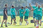 15.09.2020, Trainingsgelaende am wohninvest WESERSTADION - Platz 12, Bremen, GER, 1.FBL, Werder Bremen Training<br /> <br /> Aufwaermtraining<br /> Henrik Frach (Athletik-Trainer SV Werder Bremen )<br /> Tahith Chong (Werder Bremen #22)<br /> Felix Agu (Werder Bremen / Neuzugang 17)<br /> Jean Manuel Mbom (Werder Bremen 34)<br /> <br /> <br /> <br /> Foto © nordphoto / Kokenge