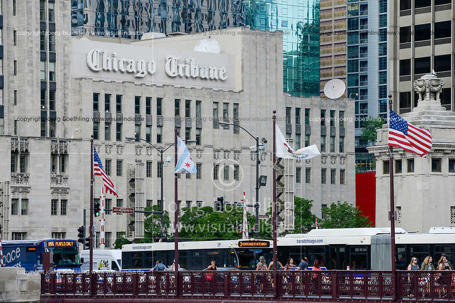 USA Chicago, city center, downtown, building with newspaper Chicago Tribune