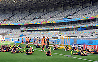 BELLO HORIZONTE  - BRASIL -13-06-2014. La seleccion Colombia entreno en la cancha del estadio Mineirao de esta ciudad donde ma–ana  se enfrentara al equipo de Grecia .The selection Colombia workout on the court at Mineirao stadium in this city where tomorrow will face the team of Greece. Photo: VizzorImage / Alfredo Gutierrez / Contribuidor