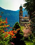 Schweiz, Tessin, Kirche von Vico Morcote: Bilderbuchdorf oberhalb von Morcote mit Pfarrkirche | Switzerland, Ticino, church of Vico Morcote at Lago Lugano: picturesque village above Morcote with parish church
