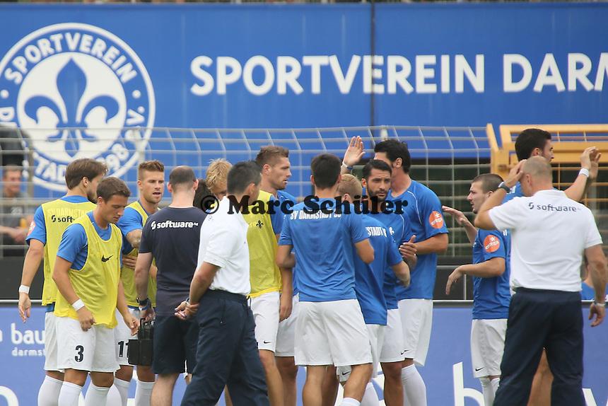 SV Darmstadt 98 schwoert sich ein - SV Darmstadt 98 vs. SV Sandhausen, Stadion am Boellenfalltor