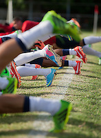 Kingston, Jamaica - Wednesday, June 5, 2013: USMNT training at the Arnett Gardens Football Club practice fields in preparation for their WC Qualifying match with Jamaica.