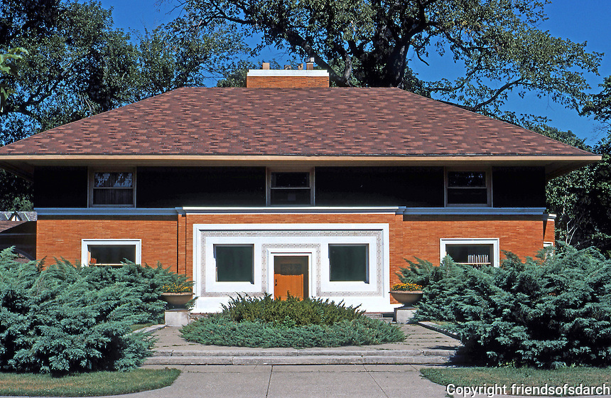 F.L. Wright: Winslow House, River Forest. Frontal elevation in afternoon.  Photo '76.