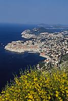 Croatie/Dalmatie/Dubrovnik: La Cote rocheuse et la mer