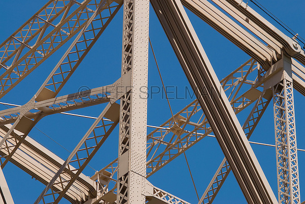 AVAILABLE FROM PLAINPICTURE FOR COMMERCIAL AND EDITORIAL LICENSING. Please go to www.plainpicture.com and search for image # p5690154.<br /> <br /> Bridge Detail - Steel Support Structure of the Queensboro Bridge (also known as the 59th Street Bridge), Midtown Manhattan, New York City, New York State, USA