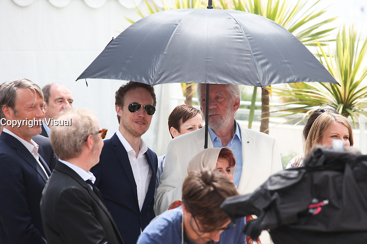 MADS MIKKELSEN, LASZLO NEMES AND DONALD SUTHERLAND - PHOTOCALL OF THE JURY AT THE 69TH FESTIVAL OF CANNES 2016