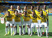 BELO HORIZONTE - BRASIL -14-06-2014. Jugadores de Colombia (COL) posan para una foto de grupo previo al partido del Grupo C contra Grecia (GRC) por la Copa Mundial de la FIFA Brasil 2014 jugado en el estadio Mineirao de Belo Horizonte./ Players of Colombia (COL) pose to a photo group prior the Group C match against Grece (GRC) for the 2014 FIFA World Cup Brazil played at Mineirao stadium in Belo Horizonte. Photo: VizzorImage / Alfredo Gutiérrez / Contribuidor