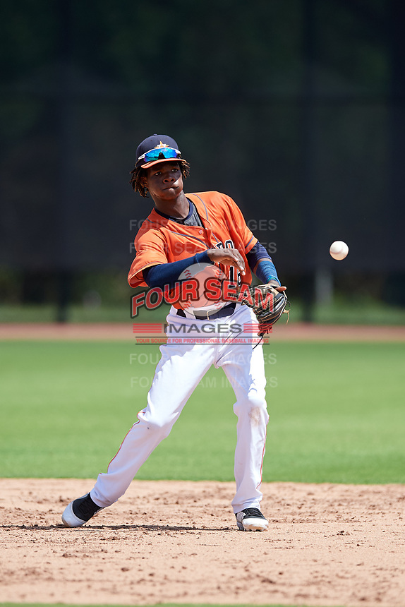 GCL Astros shortstop Freudis Nova (16) throws to second base during a game against the GCL Marlins on August 5, 2018 at FITTEAM Ballpark of the Palm Beaches in West Palm Beach, Florida.  GCL Astros defeated GCL Marlins 2-1.  (Mike Janes/Four Seam Images)