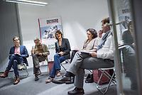 Mitgliederversammlung von Reporter ohne Grenzen - RoG - am Donnerstag den 8. November 2018 in Berlin.<br /> Im Bild vlnr.: Der taz-Journalist und RoG-Vorstandsmitglied Martin Kaul; der RoG Vorstandsvorsitzende Michael Rediske; die Stern-Journalistin und RoG Vorstandsvorsitzende Katja Gloger; die Journalistin und RoG Vorstandsmitglied Gemma Poerzgen; RoG Geschaeftsfuehrer Christian Mihr. <br /> 8.11.2018, Berlin<br /> Copyright: Christian-Ditsch.de<br /> [Inhaltsveraendernde Manipulation des Fotos nur nach ausdruecklicher Genehmigung des Fotografen. Vereinbarungen ueber Abtretung von Persoenlichkeitsrechten/Model Release der abgebildeten Person/Personen liegen nicht vor. NO MODEL RELEASE! Nur fuer Redaktionelle Zwecke. Don't publish without copyright Christian-Ditsch.de, Veroeffentlichung nur mit Fotografennennung, sowie gegen Honorar, MwSt. und Beleg. Konto: I N G - D i B a, IBAN DE58500105175400192269, BIC INGDDEFFXXX, Kontakt: post@christian-ditsch.de<br /> Bei der Bearbeitung der Dateiinformationen darf die Urheberkennzeichnung in den EXIF- und  IPTC-Daten nicht entfernt werden, diese sind in digitalen Medien nach §95c UrhG rechtlich geschuetzt. Der Urhebervermerk wird gemaess §13 UrhG verlangt.]