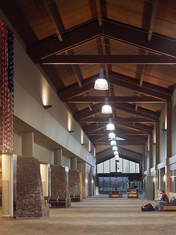 Roberts Field, Redmond Municipal Airport | Architect: HNTB
