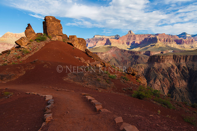 the view along the south kaibab trail before dropping into the colorado river main canyon