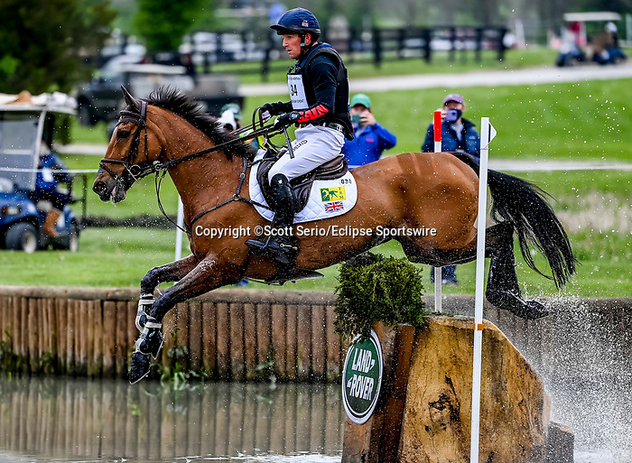 April 24, 2021: Oliver Townend competes in the Cross Country phase of the Land Rover 5* 3-Day Event aboard Cooley Master Class at the Kentucky Horse Park in Lexington, Kentucky. Scott Serio/Eclipse Sportswire/CSM