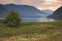 Weissensee, Weißensee, Naturpark Weissensee, See in den Alpen, Kärnten, Österreich