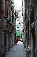 Venice:  Walk to San Marco--1.  Narrow passage into Court, The Campielo Del Pestrin.  Photo '83.