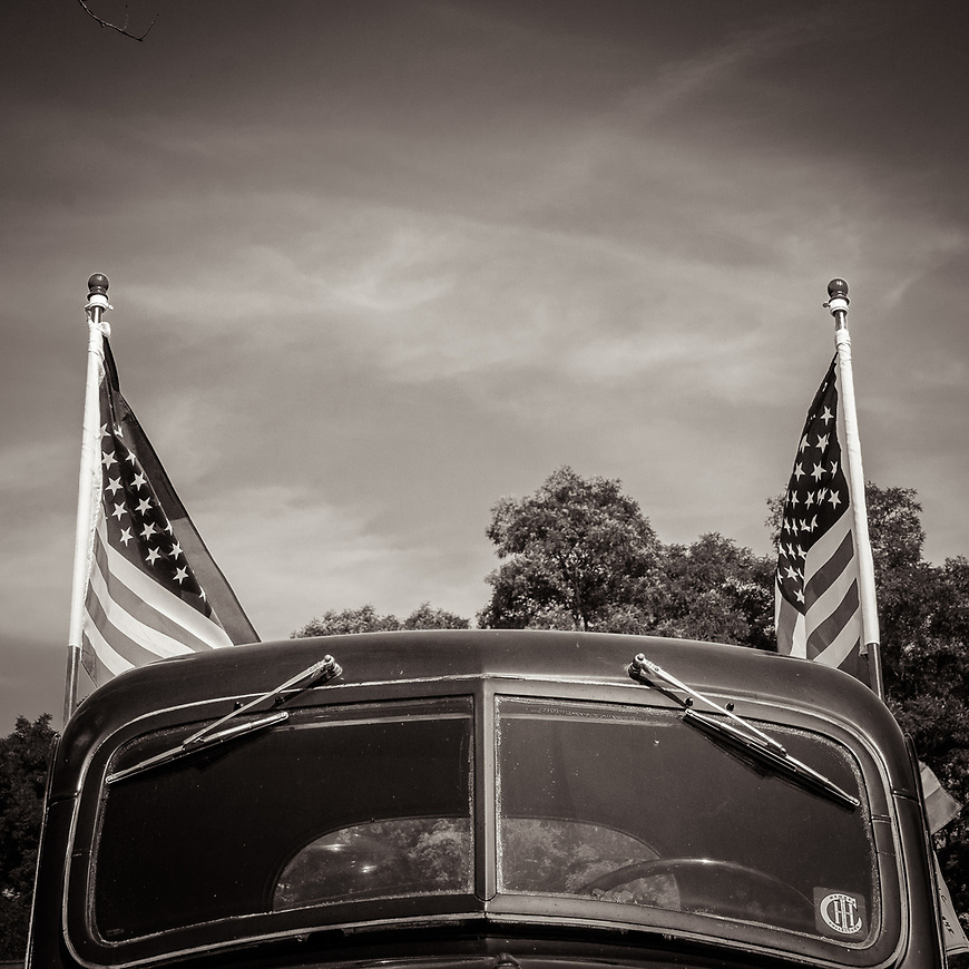AMERICANA -- From a few months ago at a thretheree in Edgerton, Wisconsin.  #michaelknapstein #midwest #midwestmemoir #blackandwhite #B&W #monochrome #instblackandwhite #blackandwhiteart #flair_bw #blackandwhite_perfection #motherfstop #wisconsin #blackandwhiteisworththefight #bnw_captures #bwphotography #myfeatureshoot  #fineartphotography #americanmidwest #squaremag #lensculture #mifa #moscowfotoawards #moscowinternationalfotoawards #rps #royalphotographicsociety #CriticalMass #CriticalMassTop200 #photolucida #contemporaryphotography