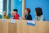 Fraktionsuebergreifend stellten am Montag den 6. Mai 2019 Bundestagsabgeordneten Annalena Baerbock, Bundesvorsitzende Buendnis 90 / Die Gruenen; Katja Kipping, Parteivorsitzende der Linkspartei; Christine Aschenberg-Dugnus, gesundheitspolitische Sprecherin der FDP-Bundestagsfraktion; Hilde Mattheis, SPD und Karin Maag, gesundheitspolitische Sprecherin der CDU/CSU-Bundestagsfraktion einen alternativen Gesetzentwurf zur Organspende vor. Im Gegensatz zum Organspendegesetz von Gesundheitsminister Jens Spahn, setzten die Abgeordneten auf Freiwilligkeit zur Organspende und nicht auf die automatische Zustimmung, wenn kein Widerspruch vorliegt.<br /> 6.5.2019, Berlin<br /> Copyright: Christian-Ditsch.de<br /> [Inhaltsveraendernde Manipulation des Fotos nur nach ausdruecklicher Genehmigung des Fotografen. Vereinbarungen ueber Abtretung von Persoenlichkeitsrechten/Model Release der abgebildeten Person/Personen liegen nicht vor. NO MODEL RELEASE! Nur fuer Redaktionelle Zwecke. Don't publish without copyright Christian-Ditsch.de, Veroeffentlichung nur mit Fotografennennung, sowie gegen Honorar, MwSt. und Beleg. Konto: I N G - D i B a, IBAN DE58500105175400192269, BIC INGDDEFFXXX, Kontakt: post@christian-ditsch.de<br /> Bei der Bearbeitung der Dateiinformationen darf die Urheberkennzeichnung in den EXIF- und  IPTC-Daten nicht entfernt werden, diese sind in digitalen Medien nach §95c UrhG rechtlich geschuetzt. Der Urhebervermerk wird gemaess §13 UrhG verlangt.]