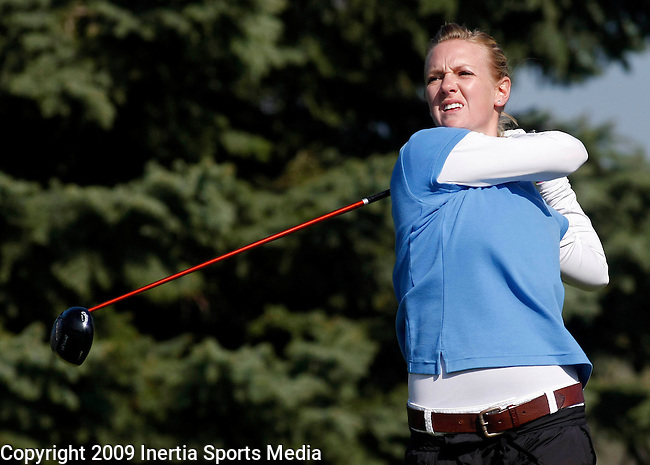 SIOUX FALLS, SD - MAY 5, 2009 :  Jessica Berve of Mesa State tees off on the 2nd hole at Westward Ho Tuesday during the 2009 NCAA Division II Super Regional Three Women's Golf Championships. (Photo by Dick Carlson/Inertia)