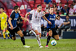 Bayern Munich Midfielder Javi Martinez (C) fights for the ball with FC Internazionale Forward Ivan Perisic (R) during the International Champions Cup match between FC Bayern and FC Internazionale at National Stadium on July 27, 2017 in Singapore. Photo by Marcio Rodrigo Machado / Power Sport Images
