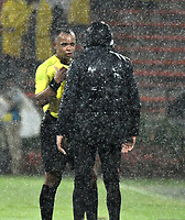 MEDELLIN – COLOMBIA: 15 – 03 - 2017: Wilton Pereira, arbitro de Brasil, habla con Luis Zubeldia, técnico de Deportivo Independiente Medellin, durante partido de la fase de grupos, grupo 3, fecha 1 entre Deportivo Independiente Medellin de Colombia y River Plate de Argentina por la Copa Conmebol Libertadores Bridgestone 2017 en el Estadio Atanasio Girardot, de la ciudad de Medellin. / Wilton Pereira, Brazilian, referee, speaks with Luis Zubeldia, coach of Deportivo Independiente Medellin, during a match for the group stage, group 3 of the date 1, between Deportivo Independiente Medellin of Colombia and River Plate of Argentina for the Conmebol Libertadores Bridgestone Cup 2017, at the Atanasio Girardot, Stadium, in Medellin city. Photos: VizzorImage / Luis Ramirez / Staff.