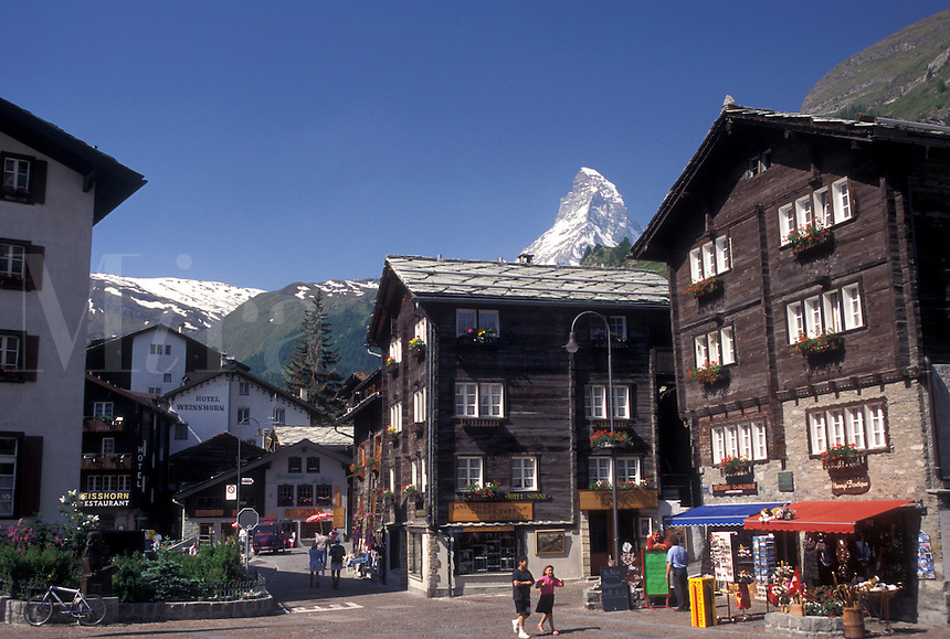 Switzerland, Zermatt, Valais, Matterhorn, Alps, Mountain resort village of Zermatt with a view of the Matterhorn in the background in the Swiss Alps.