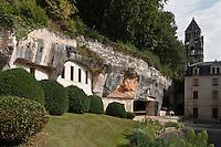 Europe/France/Aquitaine/24/Dordogne/Brantome: <br /> L'abbaye Saint-Pierre de Brantôme est une ancienne abbaye bénédictine - Vestiges du premier monastère aménagé dans le pied de la falaise avec notamment la grotte du Jugement Dernier  énigmatique bas relief du XV ème siècle,