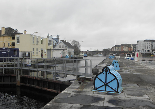 File image of Athlone Lock on the Shannon Navigation