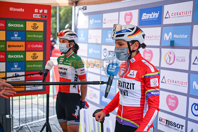 Race leader Lisa Brennauer (GER) CERATIZIT-WNT Pro Cycling Team and Italian Champion Elisa Longo Borghini (ITA) Trek-Segafredo interviewed at sign on before the start of Stage 3 of the CERATIZIT Challenge by La Vuelta 2020, running 98.6km around the streets of Madrid, Spain. 8th November 2020.<br /> Picture: Antonio Baixauli López/BaixauliStudio | Cyclefile<br /> <br /> All photos usage must carry mandatory copyright credit (© Cyclefile | Antonio Baixauli López/BaixauliStudio)