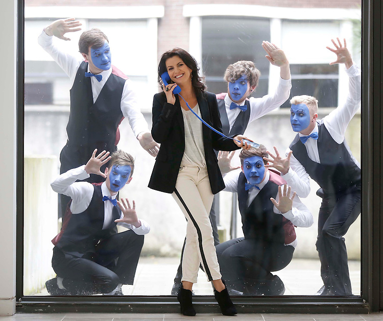 Deirdre O' Kane launches new 'Freedom' prepay price plans from O2..No Repro Fee..Irish Comedian and Actress Deirdre O'Kane, pictured with a troupe of mime artists in Dublin  at the launch of O2's new prepay Freedom Plans The Freedom Talk plan from O2 unlocks the ability for everybody to talk, with customers able to avail of unlimited calls to all Irish mobiles and landlines for ?10 from a ?20 monthly top up.Pic. Robbie Reynolds Photography
