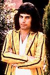 QUEEN  1975 Freddie Mercury.© Chris Walter.