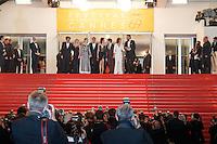 Gaspard Ulliel Lea Seydoux Marion Cotillard Xavier Dolan Nathalie Baye Vincent Cassel quittent le Palais des festivals après la projection du film 'Juste la fin du monde' lors du 69ème Festival du Film à Cannes le jeudi 19 mai 2016.