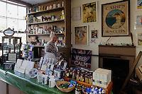 Victorian Shop, Cornet Street  in St. Peter Port, Insel Guernsey, Kanalinseln