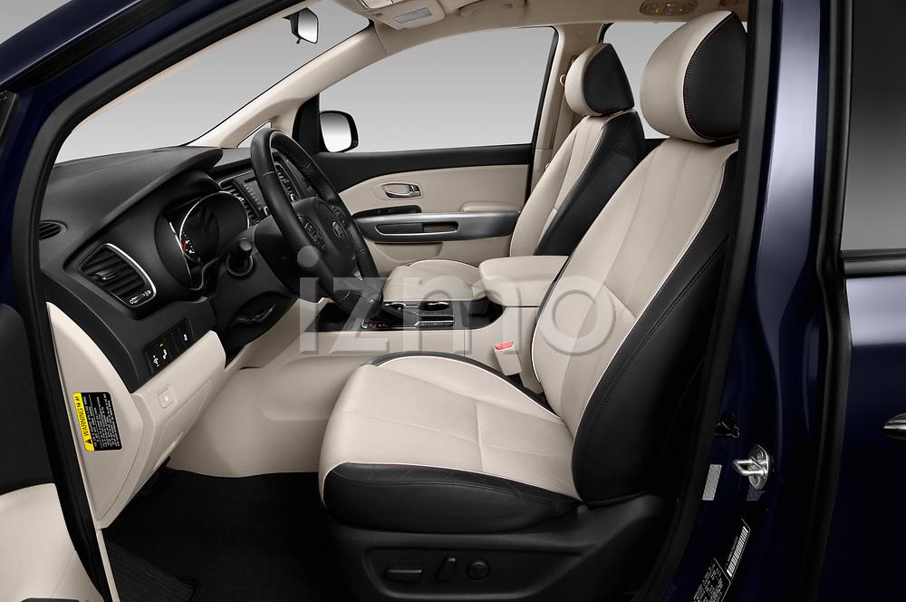 Front seat view of 2019 KIA Sedona EX 5 Door Minivan Front Seat  car photos