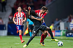 Saul Niguez Esclapez (r) of Atletico de Madrid competes for the ball with N'Golo Kante of Chelsea FC during the UEFA Champions League 2017-18 match between Atletico de Madrid and Chelsea FC at the Wanda Metropolitano on 27 September 2017, in Madrid, Spain. Photo by Diego Gonzalez / Power Sport Images