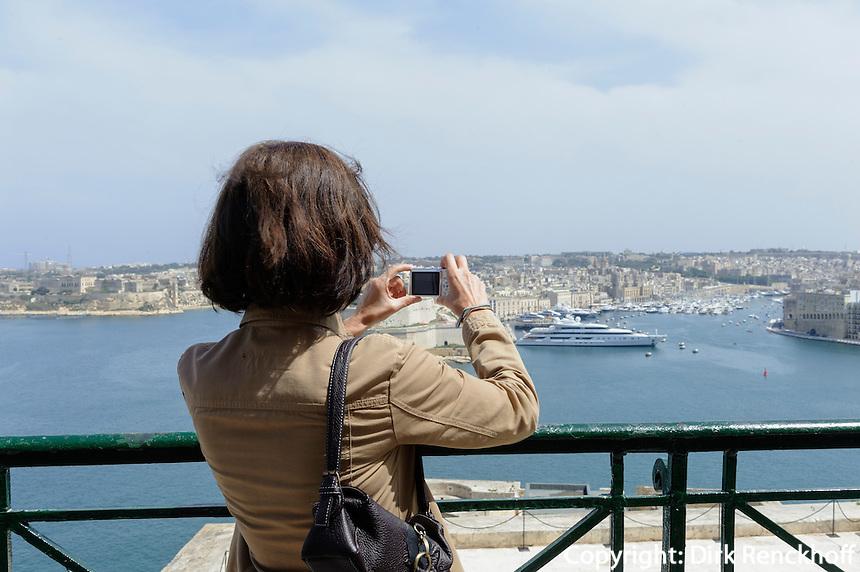Upper Barracca Garden in Valletta, Blick auf Three CitiesMalta, Europa